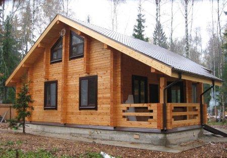 Дома из бруса: практичность и красота